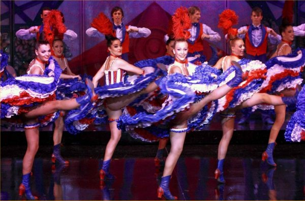 Le French Cancan du Moulin Rouge